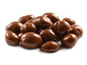 confeito-de-chocolate-com-licor-de-morango
